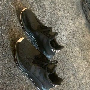 adidas Shoes - adidas tennis shoes! barely worn size 9! SO COMFY!